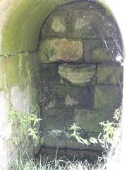 Eglise de la Trinité de Kerfeunteun - Français:   La fontaine de Kerfeunteun à Quimper (Finistère, Bretagne, France).