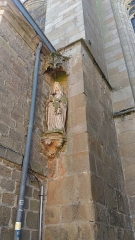 Eglise Notre-Dame-de-l'Assomption ou de Saint-Michel -  Vierge à l'Enfant de l'église Notre-Dame de Quimperlé (29) donnant sur la Rue Savary.