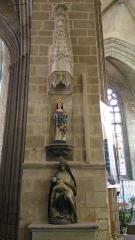 Eglise Notre-Dame-de-l'Assomption ou de Saint-Michel -  Pietà et statue de Sainte-Catherine-d'Alexandrie à l'intérieur de l'église Notre-Dame de Quimperlé (29).