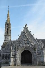 Eglise Saint-Nicaise et cimetière - Deutsch: Katholische Kirche Saint-Nicaise in Saint-Nic im Département Finistère (Region Bretagne/Frankreich)