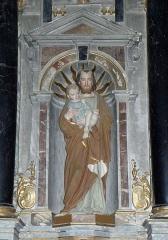 Eglise Saint-Martin de Tours - Intérieur de l'église Saint-Martin-de-Tours d'Amanlis (35). Maître-autel et son retable. Statue de Saint-Joseph et l'Enfant Jésus.