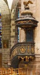 Basilique Saint-Sauveur - Français:   Ferronnerie de Jean Guibert sur les plans d\'Albéric Graapensberger (1781).