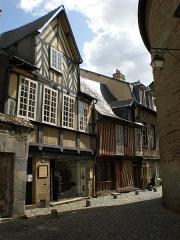 Maison de la Prévôté -  Eine wirklich wunderschöne Stadt mit vielen alten Gebäuden