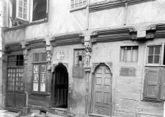 Maison du 16e siècle, dite Maison du Guesclin -