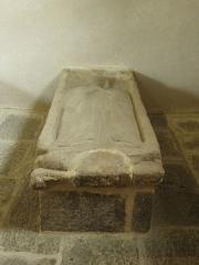 Ancienne église Saint-Lunaire - Français:   Gisant de Jeanne de Mauny, épouse de Colin de Pontbriant, en la vieille église de Saint-Lunaire (35).