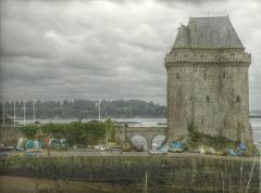 Tour Solidor et ouvrages avancés - Français:   La tour Solidor dans le quartier de Saint-Servan-sur-Mer à Saint-Malo.