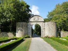 Château de Kéravéon -  entrée du chateau de keraveon
