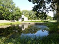 Château de Kéravéon -  e,trée du domaine de keraveon