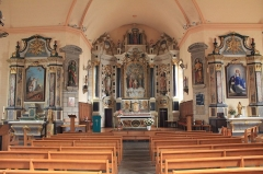 Eglise Saint-Cyr - Français:   Église Saint-Cyr (Moréac): retable principal (centre) avec les deux retables secondaires