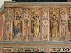 Chapelle Saint-Nicolas - Français:   Élévation est du jubé de la chapelle Saint-Nicolas de Priziac (56). Tribune. Apôtres. Saint-Pierre, Saint-André et Saint-Jacques-le-Majeur.
