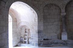Monument sépulcral - Deutsch:   Chambon-sur-Lac, Friedhofskapelle, Narthex