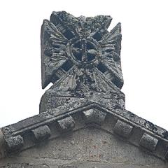 Monument sépulcral - Deutsch: Chambon-sur-Lac, Friedhofskapelle, Narthex,