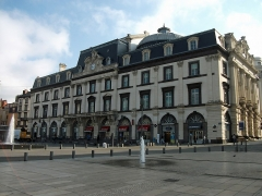 Théâtre - English: Opera-Theatre (former Municipal Opera) of Clermont-Ferrand in the morning, from Place de Jaude [9050]