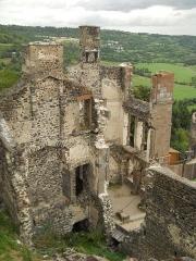 Ruines du château fort - Château de Murol, Puy-de-Dôme, France