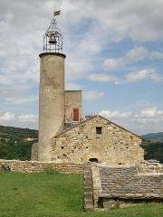 Château fort et église Saint-Jean du Marchidial - Français:   Champeix, comm. du Puy-de-Dôme (France, région Auvergne). Château du Marchidial, chapelle castrale Saint-Jean.
