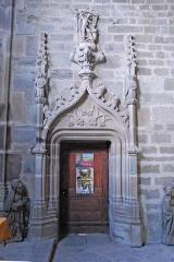 Prieuré - Deutsch: Chanteuges, Chapelle St.-Anne, Südportal