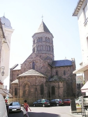 Eglise Notre-Dame-des-Miracles - Deutsch: Mauriac_Notre_Dame,_Ostseite