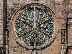 Cathédrale Notre-Dame - English: Rose window of the south facade of the Cathedral of Our Lady of the Assumption of Rodez, Aveyron, France