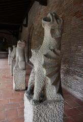 Ruines de l'église des Cordeliers - Français:   Gargouilles provenant de l\'église des Cordeliers à Toulouse, 13ème siècle. Musée des Augustins à Toulouse.