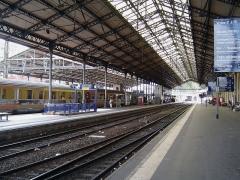 Gare de Toulouse-Matabiau - English: A Corail Téoz in the Toulouse-Matabiau train station