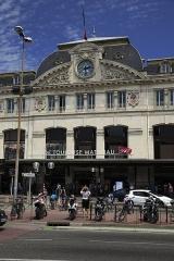 Gare de Toulouse-Matabiau - Deutsch: Straßenseite, der Name der Erbauergesellschaft hat an der Fassade bis heute überlebt.