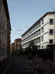 Ancien hôtel Jean du Barry - Français:   La rue de la Chaîne au niveau du lycée Saint Sernin (Toulouse)