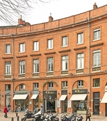 Place Wilson - English:  Facades of Building 9 place of President Thomas Wilson, Toulouse, by Jacques-Pascal Virebent.