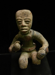 Ancien couvent des Jacobins -  Statuette provenant de Teotihuacan.Musée d'Auch.