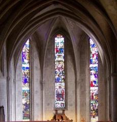 Eglise Notre-Dame, ancienne cathédrale - English: Stained glass windows over the apse - Cathédrale Sainte Marie de Lombez
