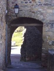 Fortifications -  Deuxième porte près de l'entrée de Capdenac-le-Haut.