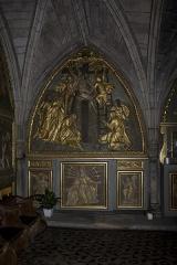 Chapelle Notre-Dame-de-Pitié - Français:   Décor de la nef de gauche: Piéta, descente de croix, Vierge des sept douleurs entre deux anges.