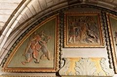 Chapelle Notre-Dame-de-Pitié - Français:   L\'église Saint-Sauveur à Figeac, chapelle N.D. de Pitié, premier panneau oriental: Jésus dépouillé de ses vêtements, Baiser de Judas.