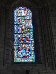 Eglise Saint-Sauveur et crypte Saint-Amadour - Français:   Vitrail dans la basilique Saint-Sauveur de Rocamadour (Lot, France)