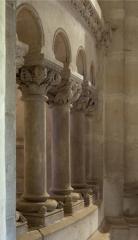 Eglise Saint-Michel - English:   Abbaye Saint-Michel de Gaillac. Gaillac. Occitanie, Tarn. France. Former abbey (Abbaye Saint-Michel de Gaillac). The church. Interior. The ambulatory. The choir enclosure. Detail. Ref: PM_117832_F_Gaillac. Photo: Paul M.R. Maeyaert. pmrmaeyaert@gmail.com. www.polmayer.com. © Paul M.R. Maeyaert; pmrmaeyaert@gmail.com