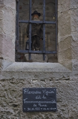 Eglise Sainte-Catherine - Français:   Statue d\'Alexandre Viguier dans le mur de l\'église de Penne