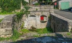 Eglise Saint-Jean-Baptiste - English: Fountain of Chantepleures in Caylus, Tarn-et-Garonne, France