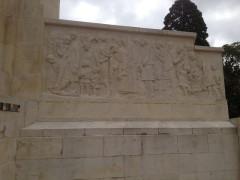 Jardin de l'Abbaye, dit aussi square Lucien Beaufrère - Français:   Vierzon Art déco Jardin abbaye monument aux morts détail