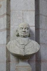 Eglise Notre-Dame - Buste de Claude-Hippolyte Clausel de Montals, église Notre-Dame de Bonneval, Eure-et-Loir, France.