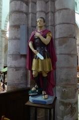 Eglise Notre-Dame - statue de saint Georges, église Notre-Dame de Bonneval, Eure-et-Loir, France.