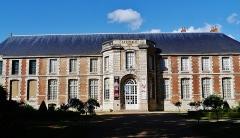 Ancien évêché et ses jardins, actuellement Musée des Beaux-Arts - Deutsch: Museum der Schönen Künste, Chartres, Département Eure-et-Loire, Region Zentrum-Loiretal, Frankreich