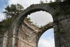 Ancien aqueduc de Pontgouin à Versailles (également sur communes de Berchères-Saint-Germain et Pontgouin) -  IMG_8743