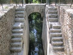 Ancien aqueduc de Pontgouin à Versailles (également sur communes de Berchères-Saint-Germain et Pontgouin) - Français:   Écluses de Boizard, partie du fr:Canal de l\'Eure sur la commune de Pontgouin (Eure-et-Loir).