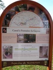 Ancien aqueduc de Pontgouin à Versailles (également sur communes de Maintenon et Berchères-Saint-Germain) - Français:   Canal Louis XIV, panneau d\'information, Fontaine-la-Guyon, Eure-et-Loir (France).