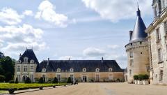 Château d'Azay-le-Ferron - Deutsch: Westflügel des Schlosses Azay-le-Ferron, Azay-le-Ferron, Département Indre, Region Zentrum-Loiretal, Frankreich