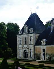 Château d'Azay-le-Ferron - Deutsch: Westflügele des Schlosses Azay-le-Ferron, Azay-le-Ferron, Département Indre, Region Zentrum-Loiretal, Frankreich
