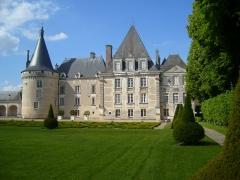 Château d'Azay-le-Ferron - English: View of the facade of the Chateau d'Azay-le-Ferron