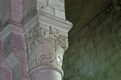 Eglise Notre-Dame - Châtillon-sur-Indre (Indre)  Eglise Notre-Dame.  Chapiteau \