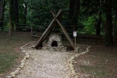 Château - Français:   Reconstitution d\'un four d\'une ferme de colon en Nouvelle-France au XVIIe siècle (parc du château de Palluau-Frontenac).