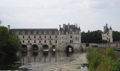Domaine de Chenonceau - Galego:   Vista do castelo de Chenonceau.
