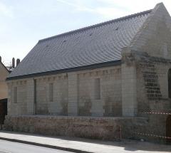 Enceinte romaine -  Base de l'enceinte gallo-romaine du castrum de l'ancien Tours (Indre-et-Loire), sur laquelle repose la façade nord de la chapelle Saint-Libert.